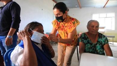 Photo of SMDIF Colón dialoga con adultos mayores de comunidades