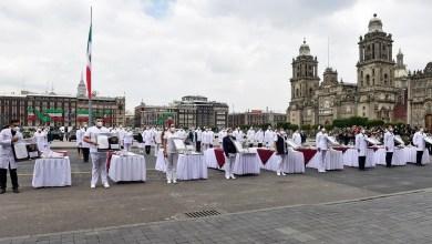 Photo of Condecoran a 58 médicos y enfermeras con presea Miguel Hidalgo