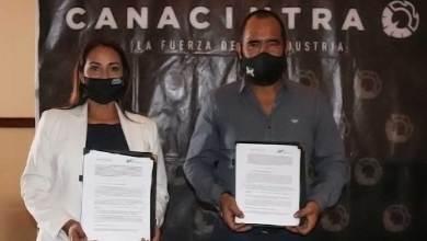 Photo of Recibe UTSJR reconocimiento de Canacintra SJR