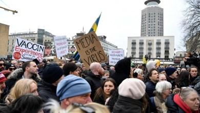 Photo of Primera gran protesta en Suecia contra restricciones por Covid-19