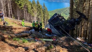 Photo of Mueren 14 personas al caer una cabina de teleférico en Italia