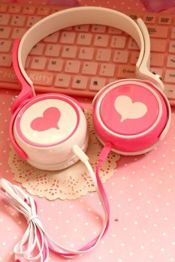 cute-girl-headphone-iphone-Favim.com-3037004