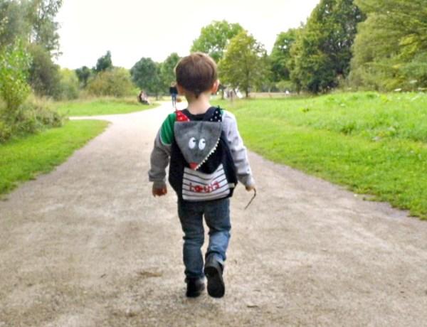 sac-a-dos-enfant-ecole-maternelle-creche-personnalise-prenom-loup-bleu-marine-rouge-sac-brode-prenom-louis-preschool-toddler-personalized-name-backpack