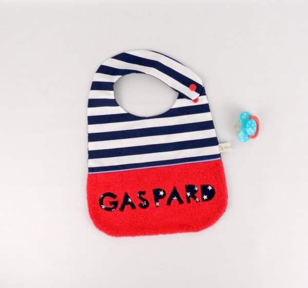 bavoir-garcon-personnalisable-prenom-marin-rouge-bleu-marine-blanc-gaspard-cadeau-original-naissance-bapteme-noel-bebe-personnalise