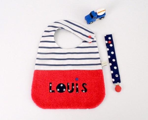 bavoir-brode-prenom-louis-rouge-bleu-marine-bavoir-bebe-original-ccadeau-naissance-unique