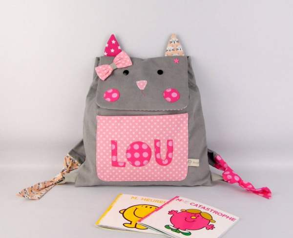sac-a-dos-fille-maternelle-chat-personnalise-prenom-lou-cartable-maternelle-gris-rose-premiere-rentree-des-classes