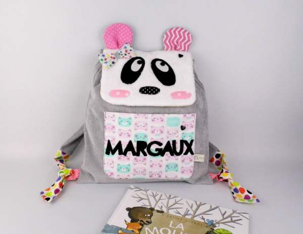 sac-a-dos-enfant-maternelle-creche-personnalisable-prenom-margaux-rose-gris-cadeau-premier-anniversaire-bapteme-naissance