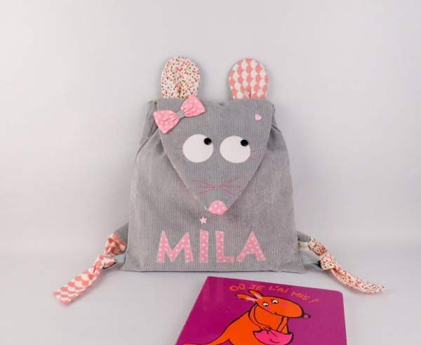 sac-a-dos-enfant-personnalise-prenom-mila-souris-gris-rose-pastel-sac-a-dos-bebe-personnalisable-cadeau-naissance-bapteme-fille-kindergarten-backpack-mouse-baby-girl