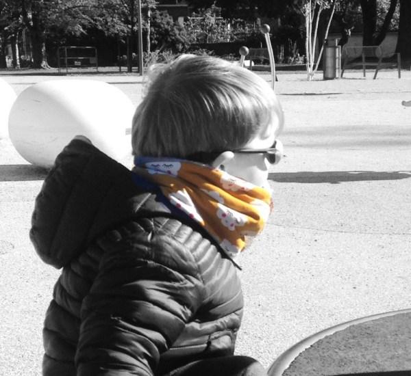 echarpe-tube-snood-enfant-ecole-maternelle-jaune-moutarde-nuages-gris