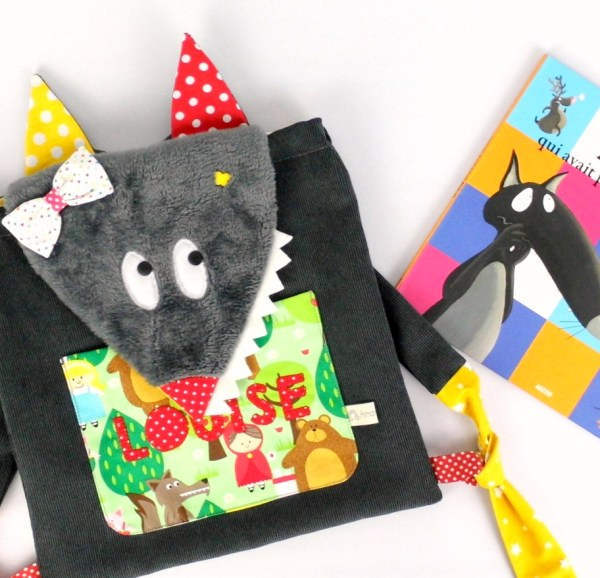 sac-a-dos-fille-prenom-brode-personnalise-chaperon-rouge-sac-loup-ecole-maternelle-creche-bebe