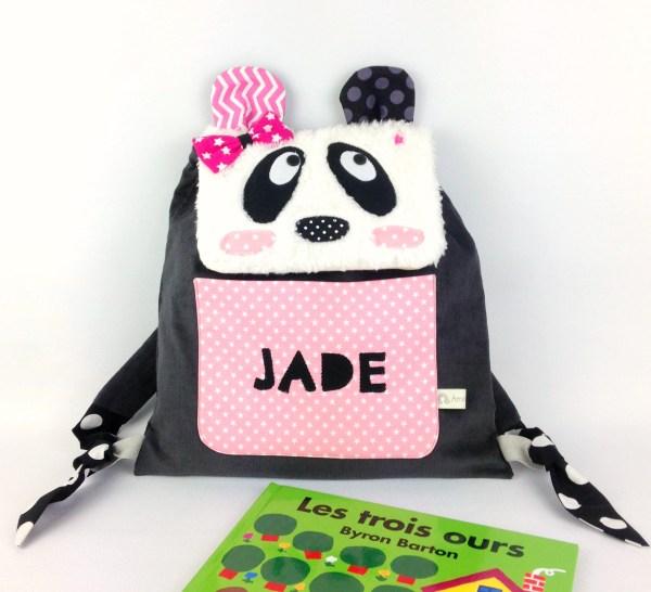 sac-a-dos-maternelle-fille-panda-brode-prenom-jade-rose-gris-sac-maternelle-enfant-panda-toddler-backpack