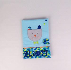 protege-carnet-sante-prenom-personnalisable-bleu-marine-gris-turquoise-cadeau-naissance-original