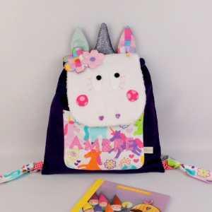 sac-a-dos-licorne-prenom-personnalisable-couleurs-motifs-ambre-sac-a-dos-licorne-maternelle-creche-cadeau-naissance-bapteme-unicorn-kids-backpack-personalized-name
