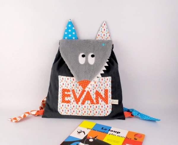 sac-maternelle-personnalise-prenom-evan-sac-a-dos-loup-personnalisable-cartable-sac-bebe-creche-nounou-personalized-backpack-baby