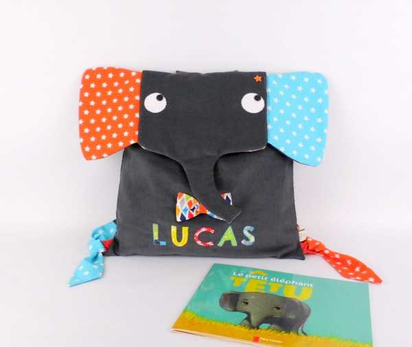 sac-a-dos-personnalise-couleurs-prenom-lucas-sac-elephant-gris-orange-bleu-turquoise