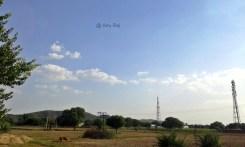 Lovely road stretch - NH 19 (Fatehpur Sikri - Jaipur) - small hillocks