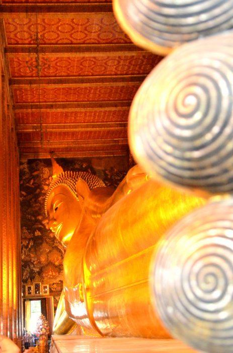 Wat Pho, à Bangkok, le célèbre Buddha couché