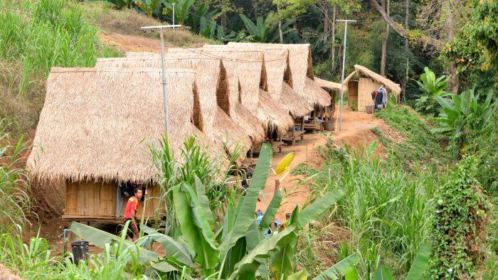 Les maisons des Mahout à Patara Elephant Farm, à Chiang Mai