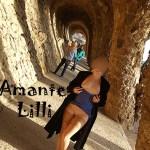 AmanteLilli, exhibition au Park Guell à Barcelone, femme s'exhib en public à Barcelone, nudité publique en Espagne