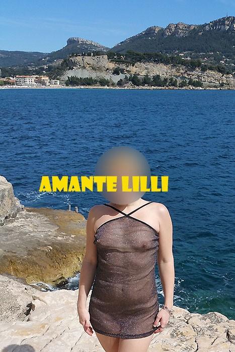 AmanteLilli-s'exhibe-nue-à-Cassis-12