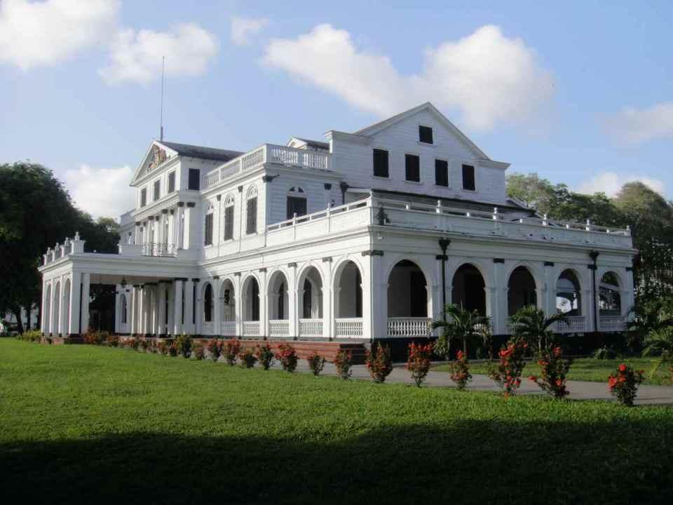 Palácio presidencial em Paramaribo