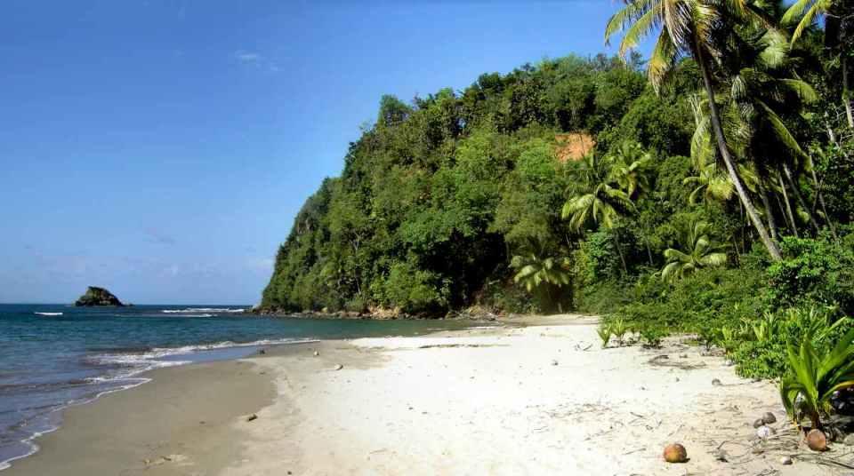 Praia em Dominica