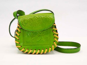 handmade-mexican-artisanal-hand-tooled-leather-girls-handbag-027