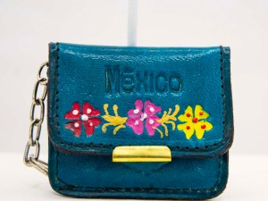 handmade-mexican-artisanal-tooled-leather-coin-purse-pouch-with-mirror-023