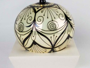 hand-made-blown-glass-christmas-balls-ornaments-016