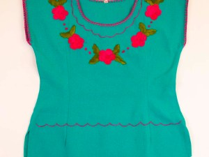 traditional-embroidered-mexican-blouse-060
