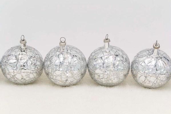 hand-blown-christmas-glass-balls-ornaments-024