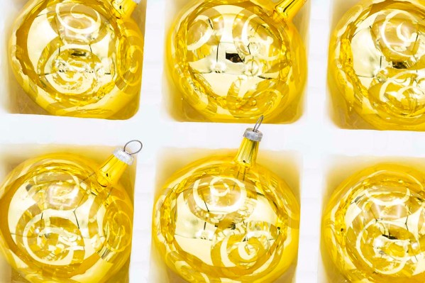 hand-blown-christmas-glass-balls-ornaments-065