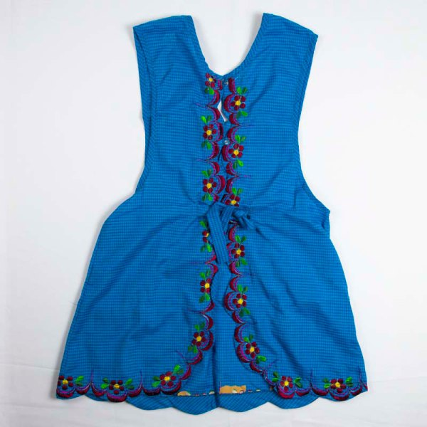hand-embroidered-aprons-004