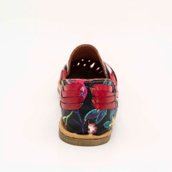 amantli-handmade-mexican-huarache-sandal-shoe-low-sole-flor-red-heel-view-088