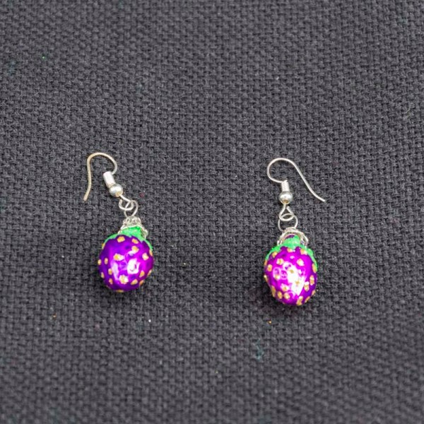 strawberry-hand-blown-glass-purple-earrings-033