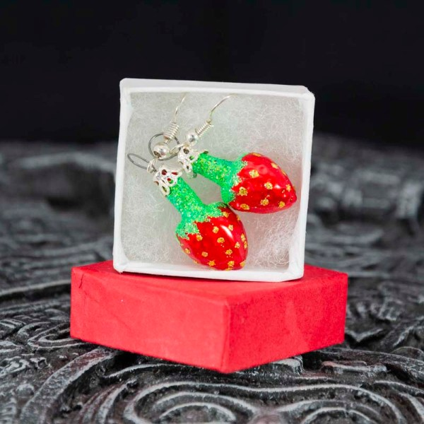 strawberry-hand-blown-glass-red-earrings-017