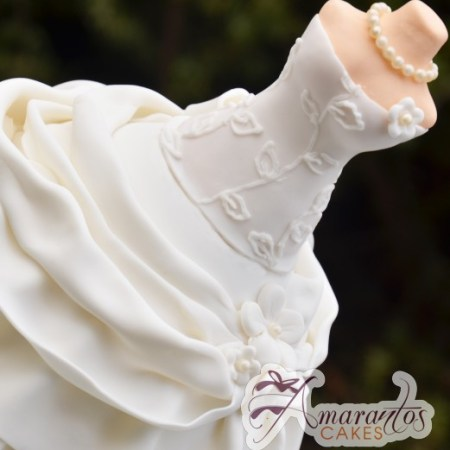 wedding gown cake - Number cake with pepper pig - Amarantos Designer Cakes Melbourne