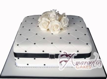 Square with Flowers – WC99 – Amarantos Wedding Cakes Melbourne