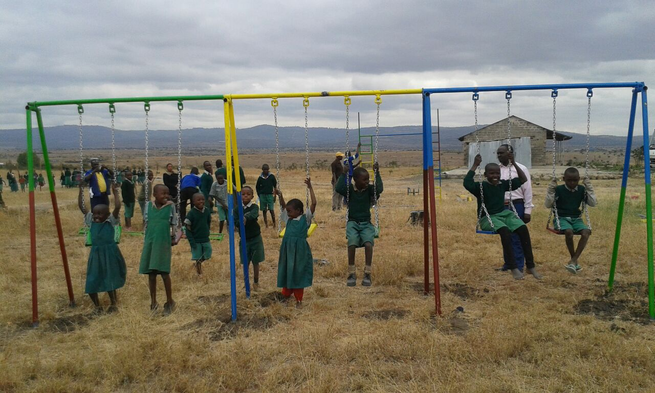 Mt View-children on playground