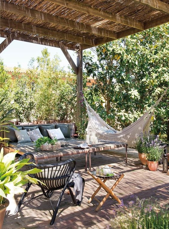 decoración para terrazas de verano con zona de chill out