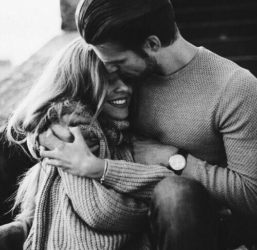 vale la pena el amor porque es lo que nos llena y saca lo mejor de nosotros
