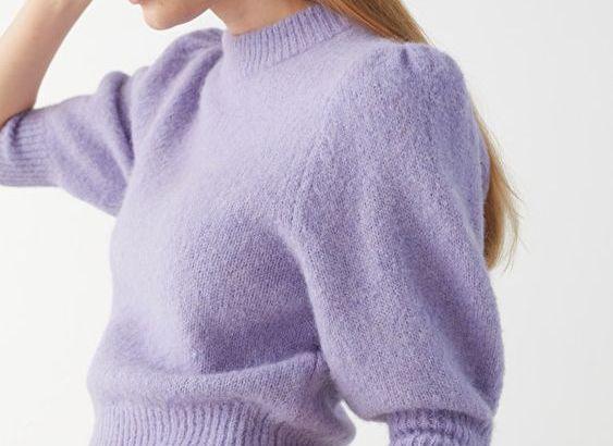 cómo combinar un jersey lila