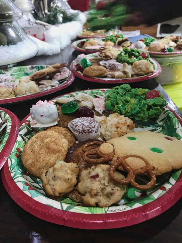 even-more-filled-cookie-trays