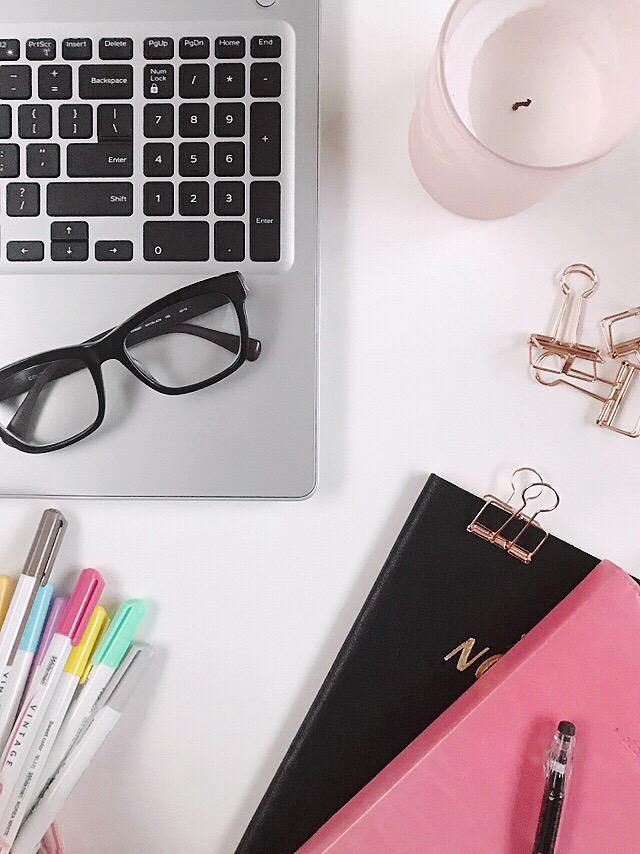 college-desk-flatlay