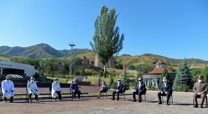 Kırgızistan'da Covid-19 salgınında hayatını kaybedenler anıldı