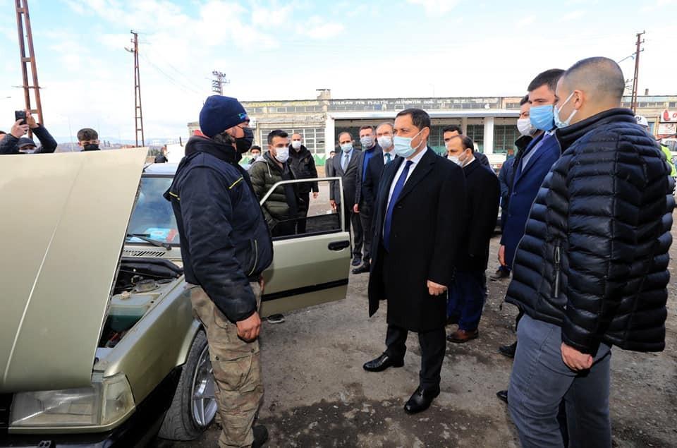 Vali Masatlı Suluova'da esnafı gezdi, yatırım alanlarını inceledi