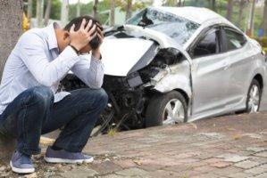 交通事故の賠償金の相場や計算方法は?自己破産することはできる?