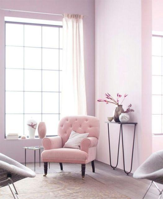 Angolo di lettura color rosa pastello