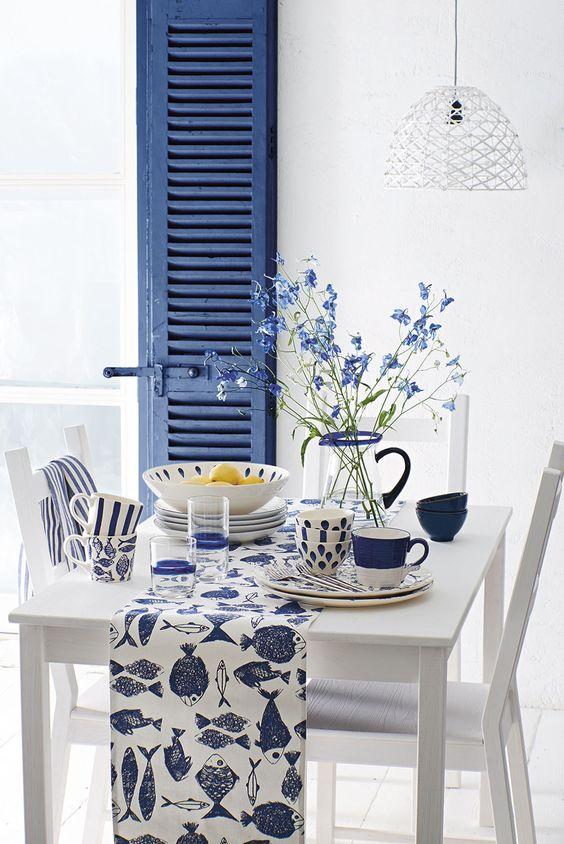 Tavolo da pranzo in stile mediterraneo