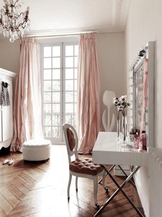 Angolo beauty nei toni del rosa e del bianco